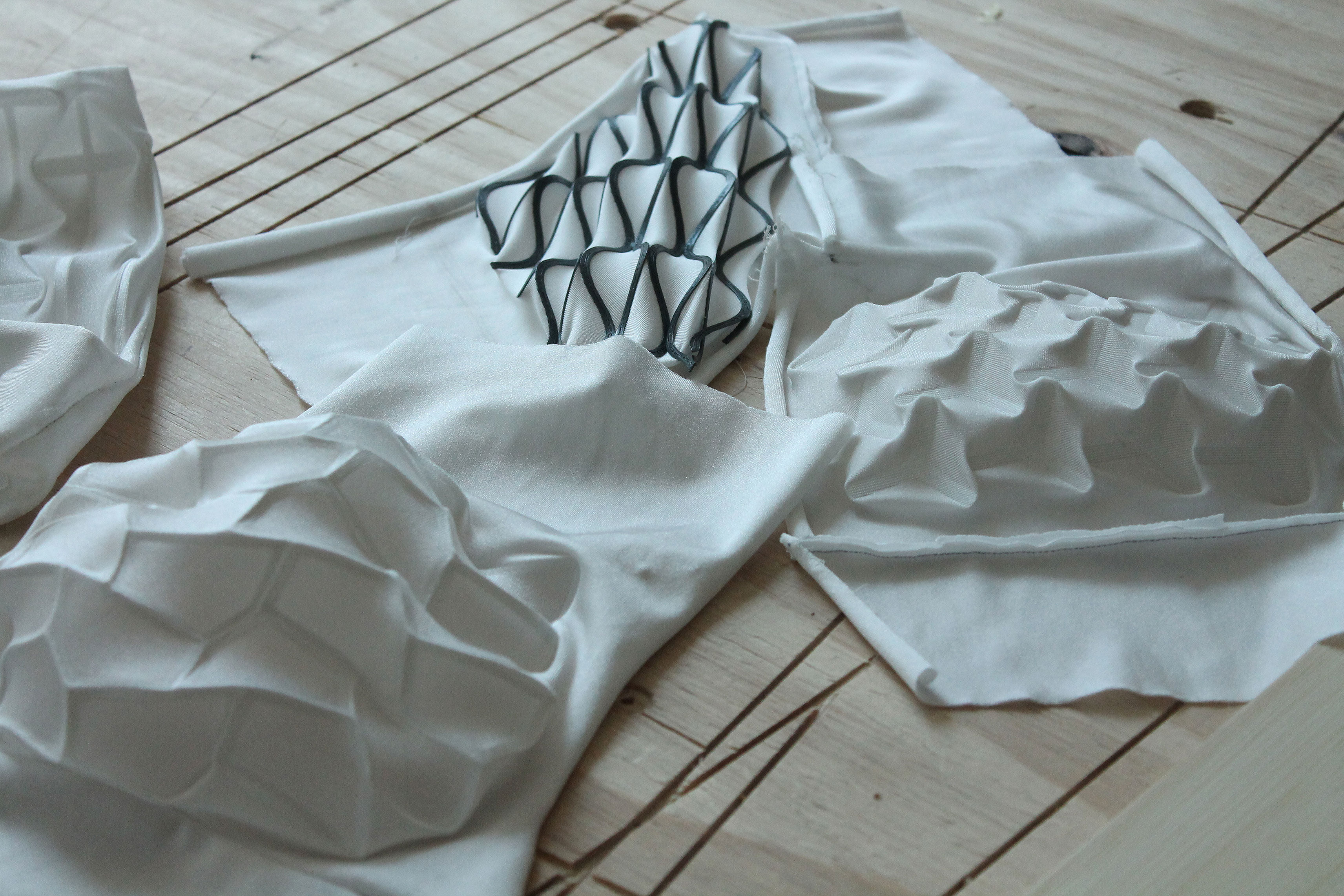 Self-Shaping-Textiles-02